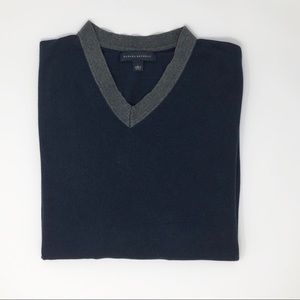 Banana Republic V-Neck Navy Sweater Size L